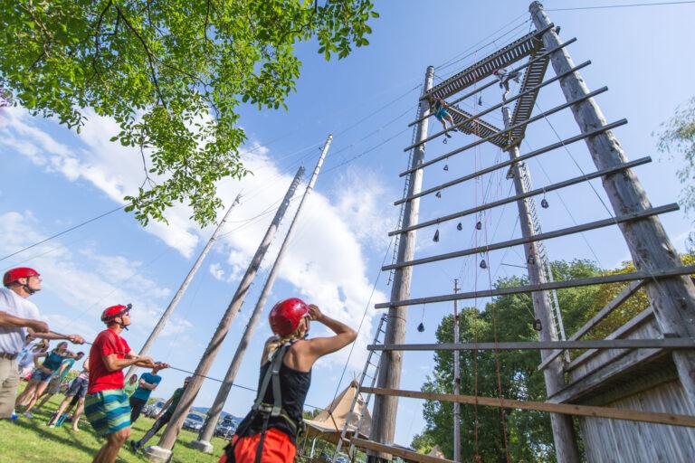 Team-Event Incentive Betriebsausflug Team Tasks mit Hochseilgarten